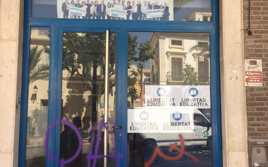 La sede del Partido Popular  de Aspe sufre un nuevo ataque con pintadas