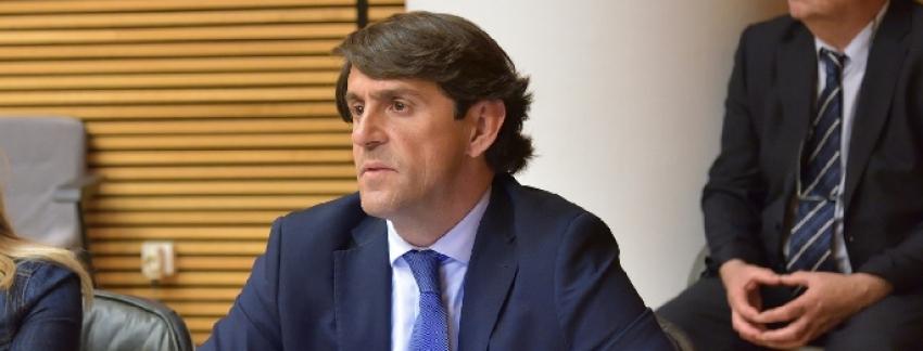 """Navarro califica de """"brindis al sol"""" las elecciones agrarias aprobadas por Les Corts"""
