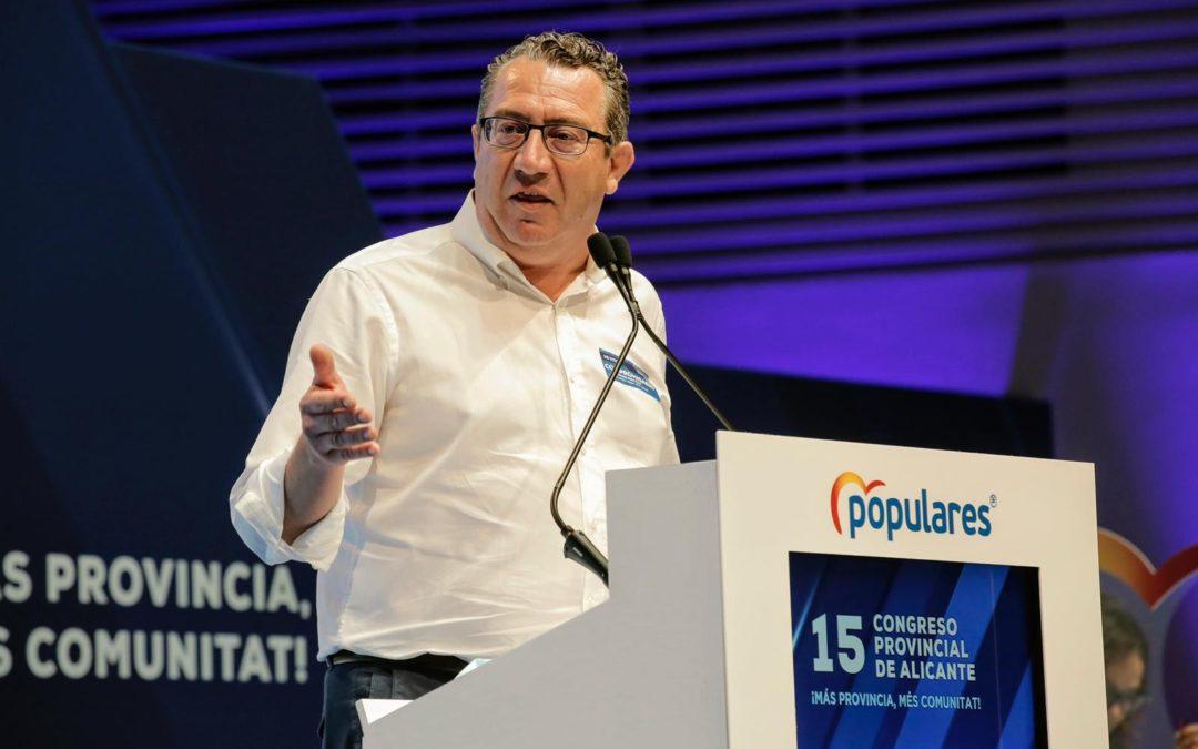 """Toni Pérez: """"El desprecio del Consell a los ayuntamientos del PP es indignante cuando llevamos un año adelantando las ayudas a los autónomos mientras le subían la luz y la cuota""""."""