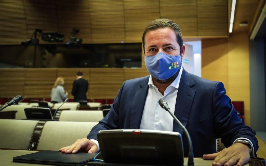 Agustín Almodóbar pregunta al secretario de Estado de Se-guridad por la comisaría de Benidorm y le urge a inlcuirla en los presupuestos del Estado