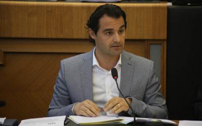 Dolón pide a Recursos Humanos de Diputación que abra expediente al asesor de Compromís por ubicar su despacho en el Palacio Provincial y carecer de la compatibilidad para ejercer como abogado privado.