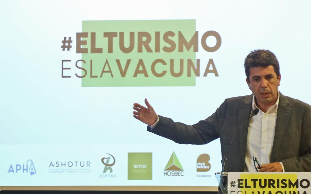 Mazón urge al Gobierno un plan de movilidad para la Comunidad Valenciana y retirar el protocolo de las mascarillas en la playa para no arruinar más al sector turístico.